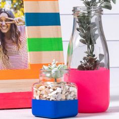 Give your plain picture frame and milk jars a touch of bold neon color with this fun craft. Use FolkArt Multi-Surface to decorate your home with a pop of color and style! Diy Dorm Decor, Dorm Decorations, Painted Picture Frames, Neon Painting, Hacks Diy, Jar Crafts, Neon Colors, Grandkids