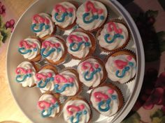 """Gender reveal cupcakes with chocolate """"question hearts"""""""