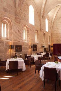 Abadía Retuerta, Monasterio  del siglo XII Sardón de Duero,  se puede vendimiar,cocinar,catar en el corazón de la Ribera. Spain