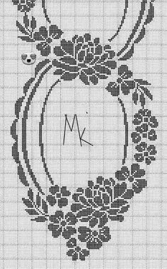 Online college degree programs to study interior decor – Crochet Filet - Salvabrani Crochet Stitches Chart, Filet Crochet Charts, Crochet Square Patterns, Crochet Diagram, Free Crochet, Cross Stitch Cushion, Cross Stitch Rose, Cross Stitch Flowers, Cross Stitch Embroidery