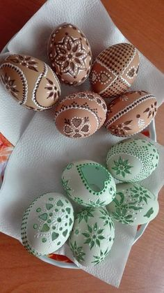 Sticks And Stones, Egg Art, Egg Decorating, Blogging For Beginners, Easter Eggs, Arts And Crafts, Carving, Holiday, Wood