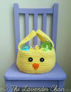 Chickadee Easter Basket Free Crochet Pattern - The Lavender Chair Crochet Crafts, Crochet Yarn, Crochet Toys, Crochet Projects, Free Crochet, Fabric Crafts, The Lavender Chair, Holiday Crochet Patterns, Confection Au Crochet