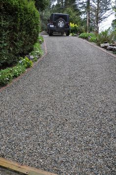 Top Best Driveway Landscaping Ideas Images Driveway Landscaping The Core System Retains The Gravel And Ends Rutting And Sinking On A Rock Driveway, Permeable Driveway, Driveway Edging, Modern Driveway, Diy Driveway, Gravel Driveway, Driveway Entrance, Concrete Driveways, Garden Edging