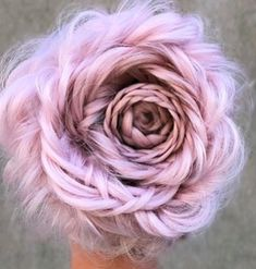 30 Pretty in Pink Hair Colors and Styles We Love - Hair Color - Modern Salon 30 Hübsch in Quick Braided Hairstyles, Quick Hairstyles For School, Boho Hairstyles, Summer Hairstyles, Wedding Hairstyles, Hairdos, Hair Color Pink, Pink Hair, Hair Colors