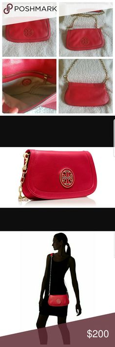 Tory Burch Amanda Red color with rich pebbled Italian leather, with a removable gold chain crossbody strap. This bag works double duty as a chic shoulder bag for day and perfectly sized clutch for evening. 11.5 x 1.5 x 8 inches. Matching Brand New Emmy sandals size 8.5 available for purchase also. Ask about cheaper price. SAME OR NEXT DAY SHIPPING MONDAY THRU FRIDAY Tory Burch Bags