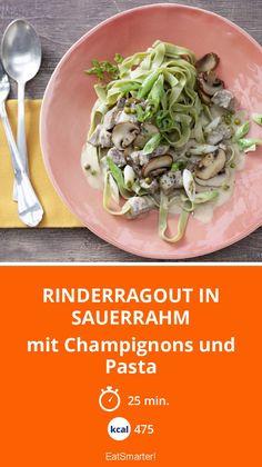 Rinderragout in Sauerrahm - mit Champignons und Pasta - smarter - Kalorien: 475 Kcal - Zeit: 25 Min. | eatsmarter.de