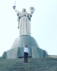 Mother Motherland #kyiv #ukraine #pictoftheday #ig_europe #igdaily #objektifimden #photo #photooftheday #photographers #interrailturkiye #gununkaresi  #instatraveling #travel #travelgram #natgeo #natgeotravel #nationalgeographic #kiev #ukrayna #україна #київ #türklergeziyor http://tipsrazzi.com/ipost/1524895342301436330/?code=BUphDwNhlmq
