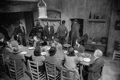 Masats ha contado que no habló nada con Buñuel. Él era un intruso permitido que hizo su trabajo y a quien el director miraba de vez en cuando receloso.