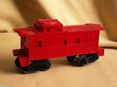 LIONEL CABOOSE RED PLASTIC POST WAR? 7 INCH LONG TRAIN CAR RAILROAD METAL 5 #Lionel