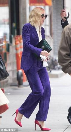 Cate Blanchett sports Austin Powers-style purple pantsuit to promote Ocean's 8 in NYC Cate Blanchett, Work Fashion, Star Fashion, Women's Fashion, Suede Suit, Ivanka Trump Style, Purple Suits, Purple Reign, Suits For Women