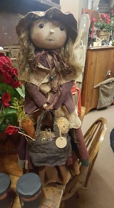a Peggy Corrigan doll Primitive Fall, Primitive Snowmen, Primitive Folk Art, Primitive Crafts, Fall Halloween, Halloween Crafts, Primitive Decorations, Primitive Doll Patterns, Craft Things