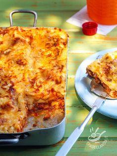 Le Lasagne al ragù di verdure sono un primo al forno ottimo, ideale per un menu succulento, quando si ha voglia di qualcosa di stuzzicante per la cena...