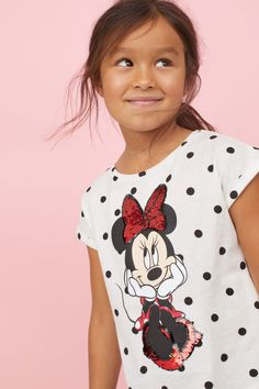 T-shirt in soft, printed cotton jersey with reversible sequins (sizes with normal sequins), short sleeves with sewn-in turn-ups, and a rounded hem. Pink Flower Girl Dresses, Girls Dresses, H&m Online, Fashion Kids, Spring Collection, Little Princess, Printed Cotton, Fashion Online, Disney
