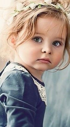 Vogue kids by Andrea A. Beautiful Little Girls, Cute Little Girls, Beautiful Children, Beautiful Eyes, Cute Kids, Cute Babies, Baby Pictures, Cute Pictures, Vogue Kids