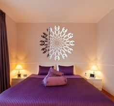 Moderné nalepovacie zrkadlo na stenu Bed, House, Furniture, Decoration, Home Decor, Painted Frames, Ideas, Decor, Decoration Home