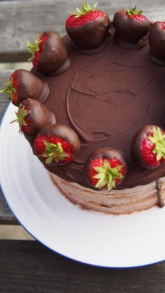 Ice Cream Naked Cake with chocolate ganache and chocolate dipped strawberries