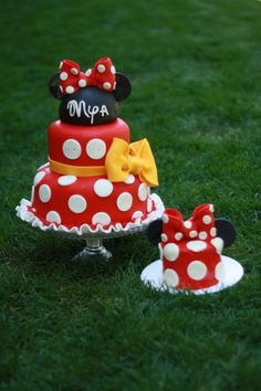 Minnie and mickey Mouse Cake and smash cake Mickey Mouse Torte, Minnie Mouse Birthday Cakes, Minnie Mouse Theme, Minnie Mouse Cake, Pink Minnie, Birthday Cake Girls, 3rd Birthday, Birthday Ideas, Princess Birthday