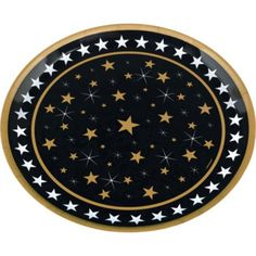 Get snacks ready for their close-up by displaying them on this glamorous Round Hollywood Platter! This molded plastic Hollywood Platter features design of gold stars on a black background with white stars around the edge.