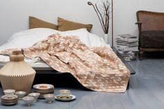 Wooden-Textiles-blanket