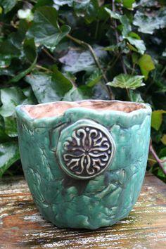 Blumentöpfe - Keramik Blumentopf, Pflanztopf, grün - ein Designerstück von Sandlilien bei DaWanda