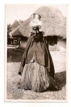 Africa, Guinea, Guerzé, Fetish priest with mask, costume, real photo, Lattes `30 in Antiquitäten & Kunst, Internationale Antiq. & Kunst, Afrika | eBay!