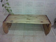DIY Pallet and Wire Spool #Bench | 99 Pallets