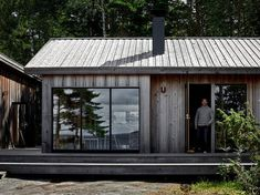 Me Naiset – Blogit | Mrs Jones – MY WORK: HURTIN KESÄKOTI HANGOSSA Outdoor Sauna, Outdoor Decor, Small Modern Home, Weekend House, Tiny House Cabin, Outdoor Living Areas, Diy Garden Decor, House In The Woods, Modern Farmhouse