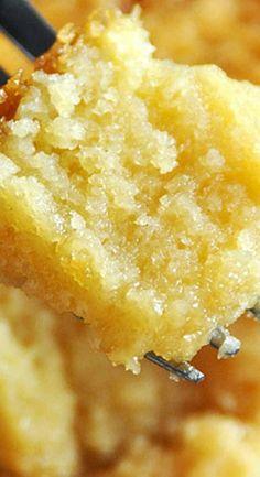 Crock Pot Vanilla Sour Cream Cake