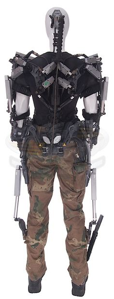 Elysium / Kruger's Exo-Hulc Suit & Samurai Sword | ScreenUsed.com