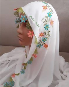 Best 12 Crochet Lace Picture of Beautiful Lilies – SkillOfKing. Zardosi Embroidery, Embroidery Suits, Crewel Embroidery, Embroidery Patterns, Knitted Poncho, Knitted Shawls, Clothing Store Displays, Brazilian Embroidery, Bridal Mehndi Designs