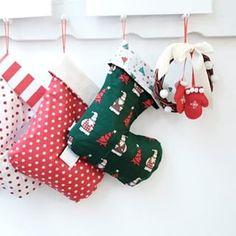 💛 von Hand mit Herz 💛 (@die_buntique) • Instagram-Fotos und -Videos Christmas Stockings, Holiday Decor, Videos, Instagram, Home Decor, Photos, Heart, Christmas, Needlepoint Christmas Stockings