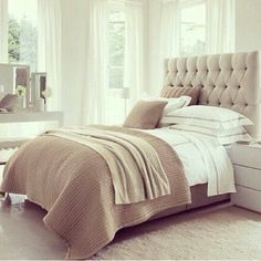 Drømmeseng Bedroom Colour Schemes Neutral, Neutral Bedroom Decor, Bedroom Colors, Neutral Colors, Colours, Modern Master Bedroom, Small Room Bedroom, Trendy Bedroom, Bed Room