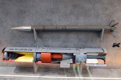 Противолодочная корректируемая авиационная бомба Загон-2Э и  неуправляемая авиационная ракета С-8КОМ (Zagon-2E guided anti-submarine bomb and S-8KOM rocket)