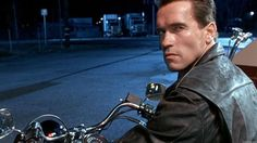 Although he keeps a straight face for most of the movie, James Cameron recently revealed that Arnold Schwarzenegger was a total prankster on the set of Terminator Judgement Day. Arnold Schwarzenegger Terminator 2, Patrick Schwarzenegger, James Cameron, High School Musical, Gi Joe, Toy Story, Kos, Terminator 6, Microsoft