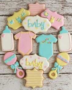 Are you having a baby shower or organising one for your friend? Look no further than our inspirational list of baby shower party ideas & themes. Galletas Decoradas Baby Shower, Galletas Cookies, Cute Cookies, Cupcake Cookies, Cookie Favors, Onesie Cookies, Basic Cookies, Ladybug Cupcakes, Kitty Cupcakes