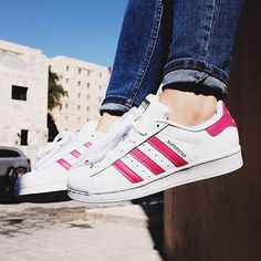 #mulpix S/O to @e.abdullah for copping the @adidasoriginals  Junior Superstar Foundation Trainer in White and Pink (092566).  #WeAreFootasylum  #superstar  #adidas  #shelltoe  #igdaily  #igsneakercommunity