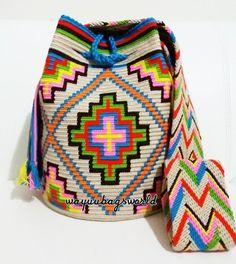 """71 Beğenme, 25 Yorum - Instagram'da Selen Odabaşı (@selennodabasi): """"Taban bitti gövdeye geçiyorum... #wayuu #wayuubag #wayuubags #wayuubase #wayuustyle #wayuuçanta…"""" Tapestry Bag, Tapestry Crochet, Crochet Motif, Crochet Stitches, Knit Crochet, Crochet Patterns, Mochila Crochet, Potli Bags, Crochet Woman"""