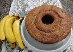 O resultado é bolo de banana fofinho, saboroso e perfeito para o café da tarde. Faça hoje mesmo o bolo de banana fácil e deixe a tarde da sua família muito mais gostosa!