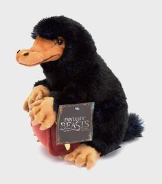 Take home your very own plush version of the mischievous Niffler from Fantastic Beasts and Where To Find Them. The Harry Potter Shop at Platform 9 Harry Potter Plush, Harry Potter Shop, Harry Potter Film, Newt Scamander Suitcase, Fantastic Beasts And Where, Cute Creatures, Horror Art, Ravenclaw, Hogwarts