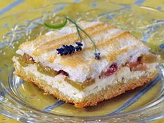 Rebarborový koláč — Kluci v akci — Česká televize Rhubarb Recipes, Tiramisu, Sweet Tooth, French Toast, Sandwiches, Treats, Cooking, Breakfast, Ethnic Recipes
