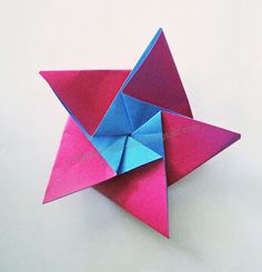 Post has tutorial for this origami star plus others. Very cool.