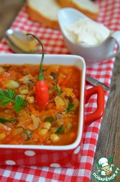Острый томатный суп с грибами и бобовыми