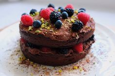 This gluten-free chocolate cake is incredibly indulgent so it's perfect for any birthdays or parties you're having! This recipe creates a really fudgy cake, almost like a brownie, that's topped off with a creamy chocolate topping and some vibrant berries. Gluten Free Chocolate Cake, Chocolate Topping, Healthy Chocolate, Runner Beans, Celebration Cakes, Vegan Desserts, Dairy Free, Cheesecake, Sweets