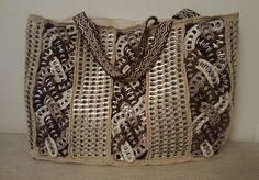 Tölkkinipsuja ja lautanauhaa Pop tabs and card weaving Más Pop Top Crafts, Can Tab Crafts, Aluminum Can Crafts, Pop Tab Purse, Diy Purse, Crochet Chart, Crochet Patterns, Soda Can Tabs, Zipper Flowers