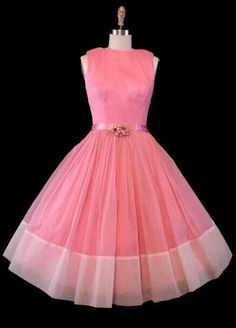 Feb 2019 - Breath-taking design and breath-taking, beautiful Audrey. See more ideas about Vintage outfits, Vintage fashion and fashion. Vintage Wear, Vintage Dresses, Vintage Outfits, Vintage Clothing, 1950s Dresses, Vintage Party, Vintage Pink, Women's Clothing, Pretty Outfits