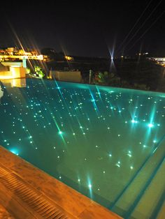 Bill & Coo suites mykonos pool by night Swimming Pool Lights, My Pool, Swimming Pools Backyard, Swimming Pool Designs, Pool Landscaping, Casa Kardashian, Pool At Night, Glam House, Pool Landscape Design