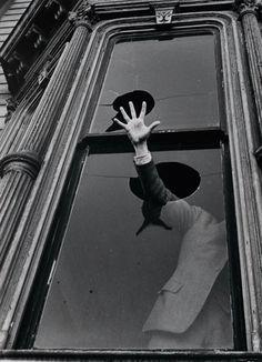The Cry, 1939    John Gutmann