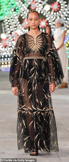 A sheer tiered dress embroidered with wheat sheafs... Cruise Collection, Tiered Dress, Catwalk, Cool Style, Dior, Style Fashion, Dior Couture
