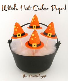 The Partiologist: Puttin' On The Witch!~ Cauldron of Witch Hat Cake Pops Halloween Cake Pops, Halloween Sweets, Halloween Baking, Halloween Goodies, Halloween Birthday, Happy Halloween, Halloween Ideas, Halloween Dance, Cauldron Cake