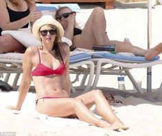 мария шарапова фото бикини Мария Шарапова в бикини на пляже (11 фото) Знаменитости, рецепты, диеты, мода и красота, стиль, здоровьеМария Шарапова с друзьями в понедельник во время отдыха на пляже в